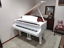 Wistaria Grand piano G149White